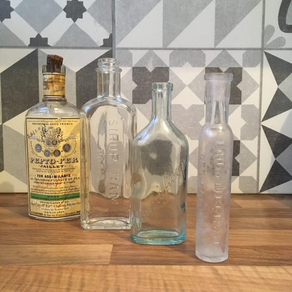 collection fioles vintage médicales pepto fer rami paris vermi sirop melisse
