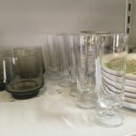 recyclerie de l'USTOM coin vaisselle