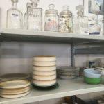coin vaisselle carafes verre vintage
