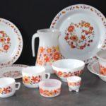 Vaisselle-Arcopal-Fleurs-Vintage