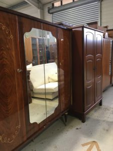 armoires vintage partage sans frontière st macaire pres de langon