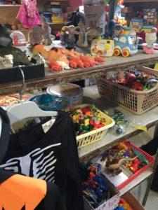 le coin des jouets recyclerie Partage sans frontières St Macaire 33
