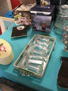 repose couteau en verre vintage à chiner à St macaire