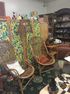 paire de fauteuils en rotin à chiner chez JAC Brocante près de Bordeaux 33