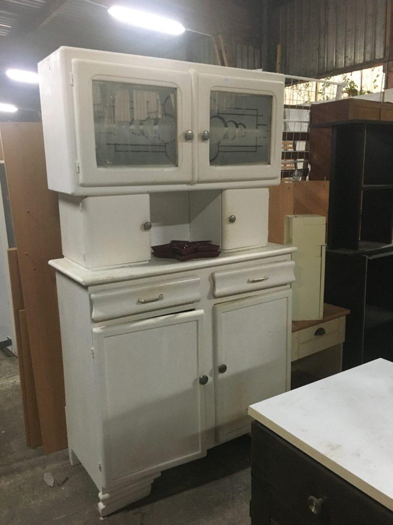 Les maillons du coeur recyclerie noaillan meuble blanc de cuisine vintage