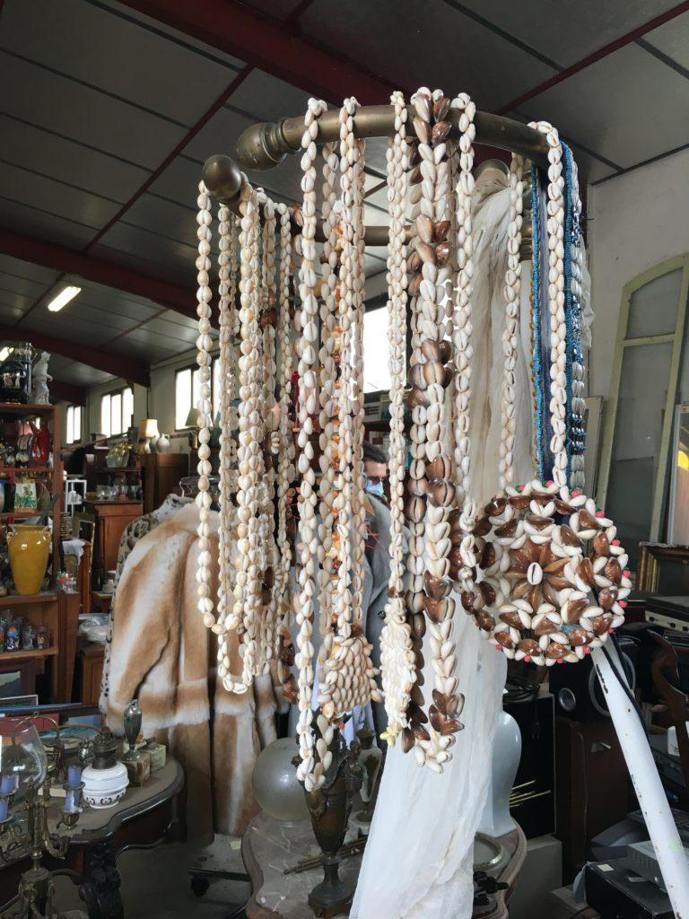 brocante Andernos collier d'adieu tahiti en coquillage