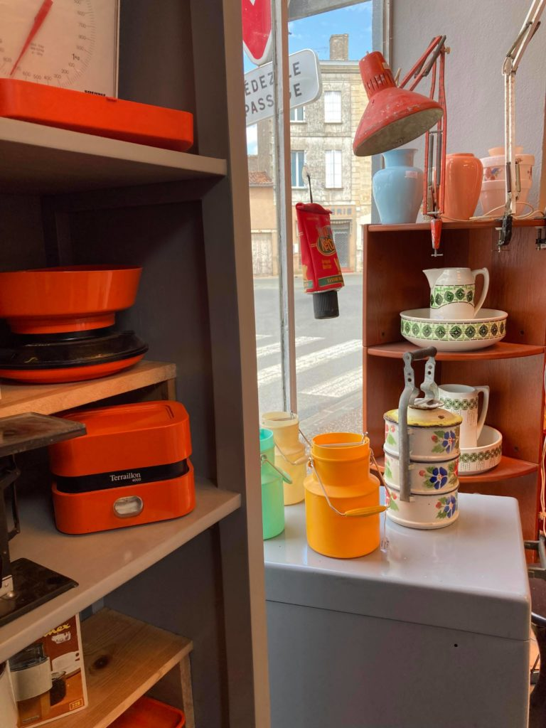vaisselle vintage orange brocante preignac