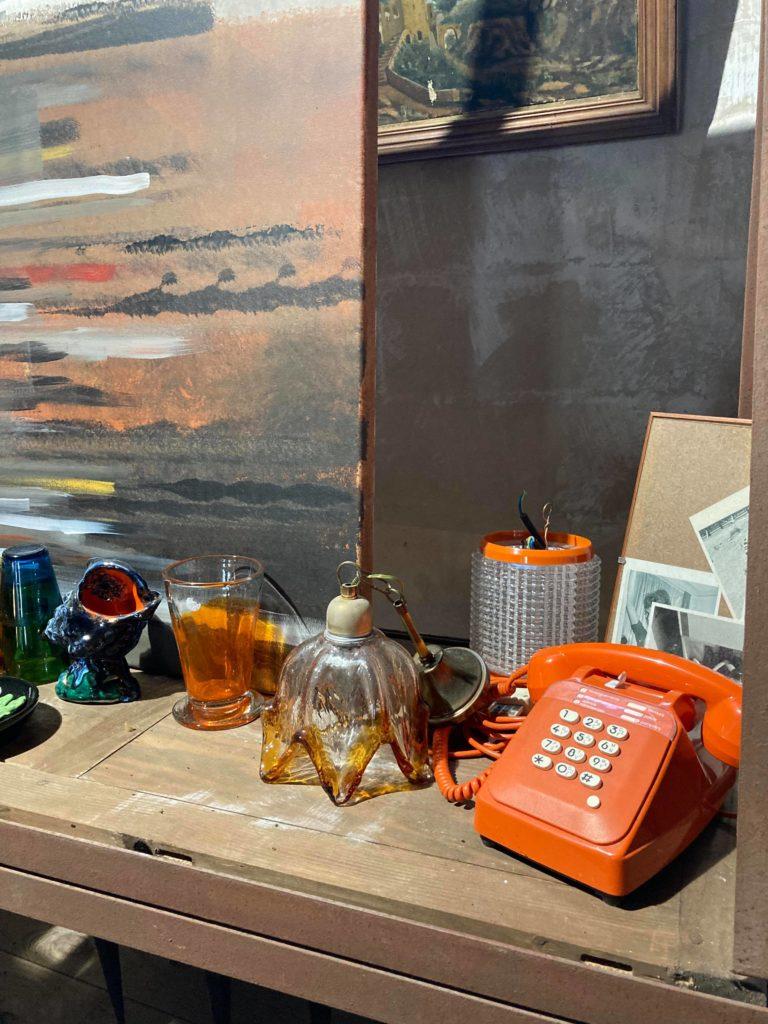 telephone vintage orange brocante preignac