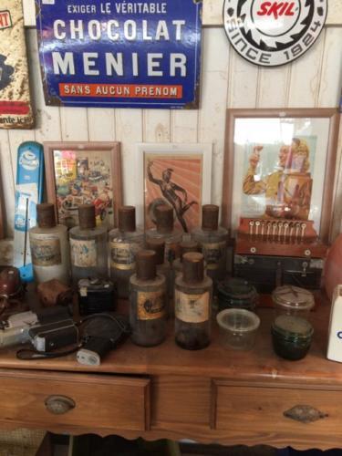 pots en verre d'apothicaire vintage bordeaux brocanteur